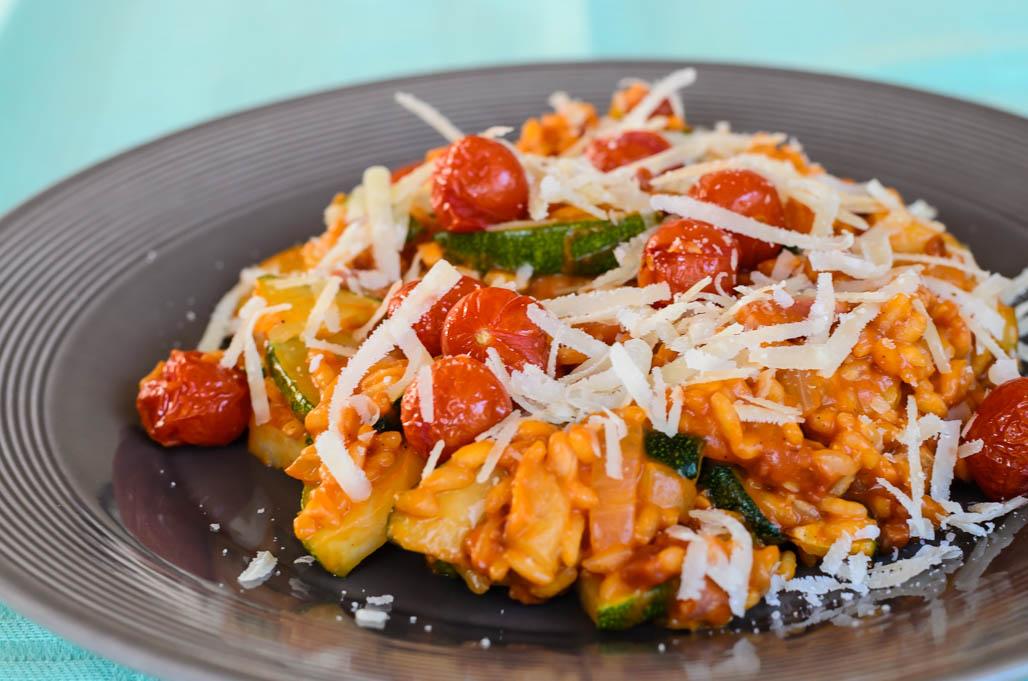 Risotto met courgette en tomaatjes